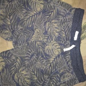 Men's Lounge shorts with leaf print